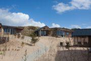 Vakantiepark van Roompot in de duinen bij Bloemendaal