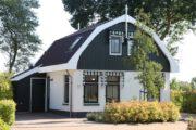 Vakantiehuis in Egmond op een zonnige dag