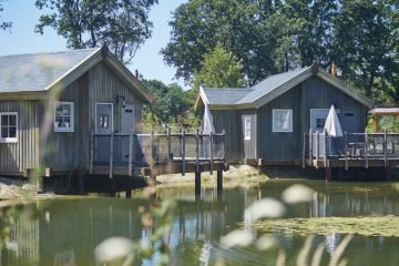 Vakantiehuizen aan de waterkant bij de Efteling