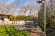 Buitendouche in de tuin van het vakantiehuis op Texel