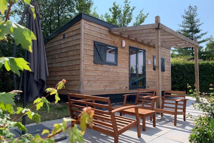 Tiny house met terras