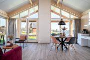 Verblijf met ruime woonkamer bij Tusken de Marren