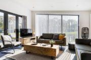 Lichte sfeervolle woonkamer in Landal huisje
