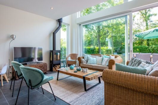 Vakantiehuis met zithoek met haard in Zeeland