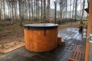Het boshuisje in Rheezerveen heeft een houtgestookte hot tub