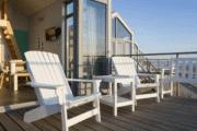 Geniet van het uitzicht op zee bij Strandhuisjes Julianadorp