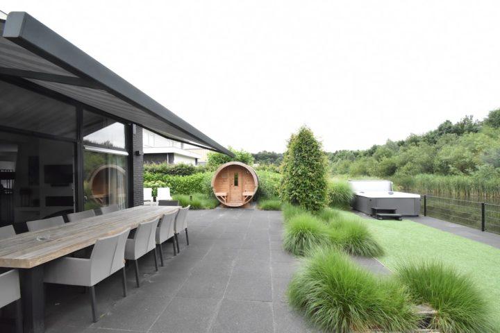 Een modern vakantiehuis voor een weekendje weg met vrienden