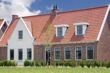 Verblijf in luxe en ruime vakantiewoningen gebouwd in Zeeuwse stijl op Parc Ganuenta in Zeeland